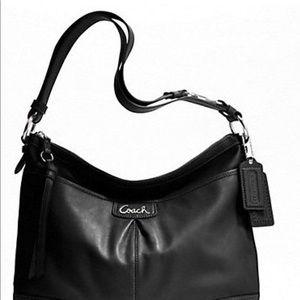 7e9d8a4929e7 Coach Bags - Beautiful Coach black handbag